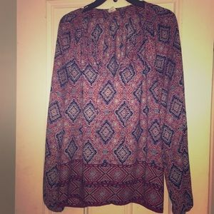 Gap purple patterned v-neck blouse
